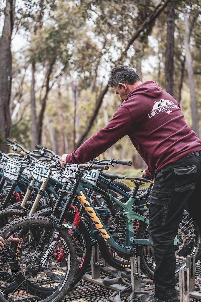 loading bikes at barjarg
